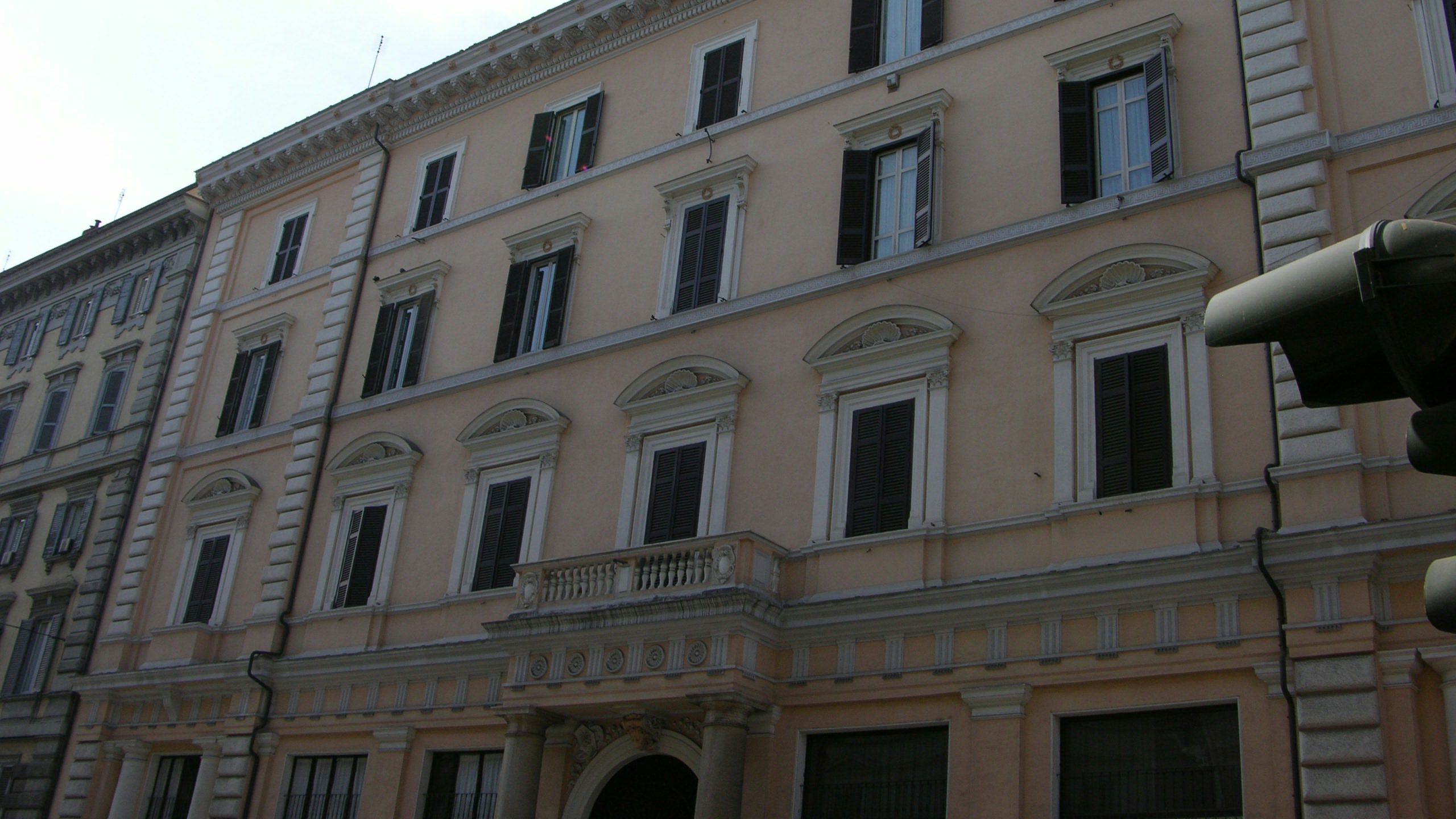 colosseo-suites-rome-externo-01