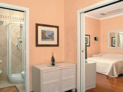 colosseo-suites-rome-rooms-06